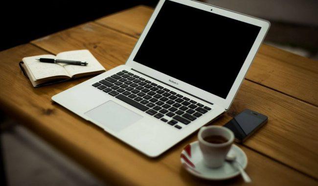 Przewodnik jak zostać blogerem w 30 dni i zacząć zarabiać